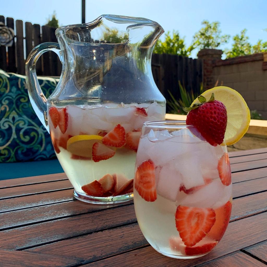 Recipe—Strawberry Sangria